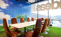 Lekfullt i Sveriges snyggaste kontor