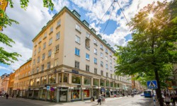 Skandia säljer i centrala Stockholm